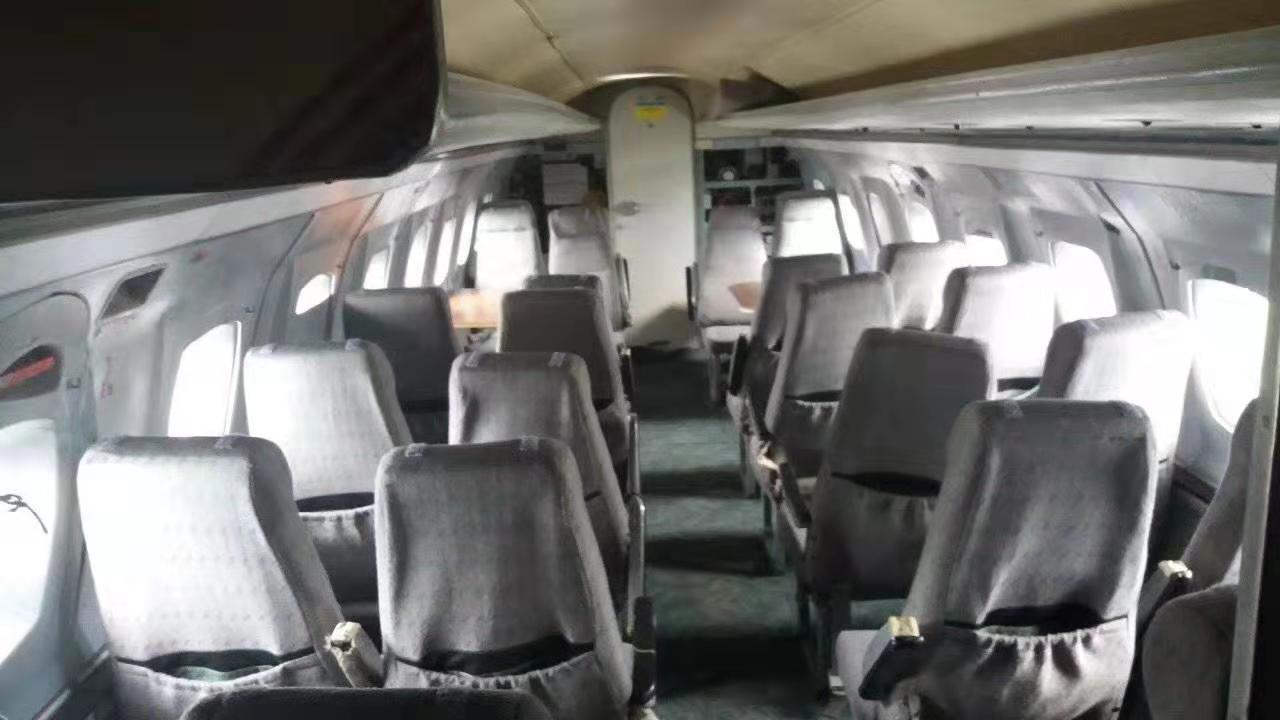 旧飞机出售 雅克-40内部座椅