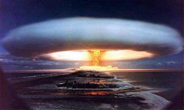 原子弹爆ç'¸æ―¶å‡èµ・的蘑菇云