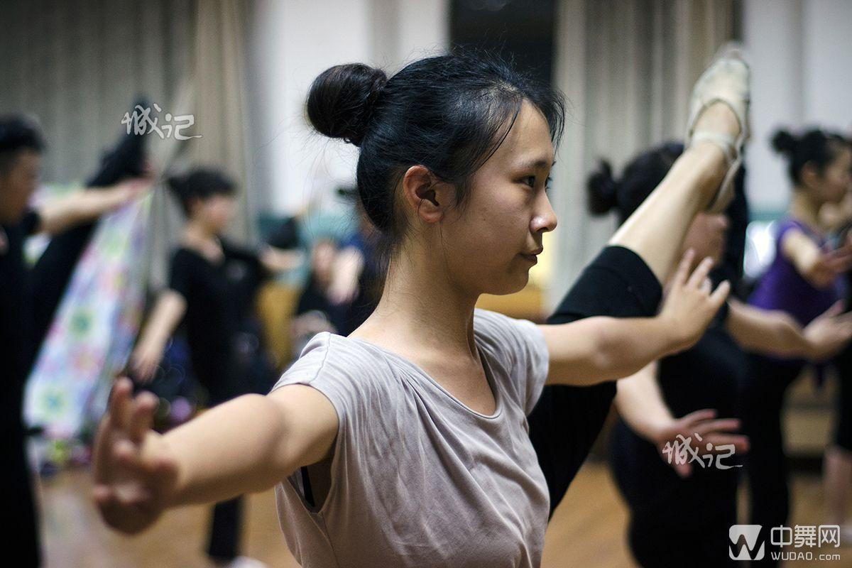 西安交大美女大学生舞蹈团