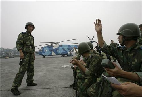 服务器设在美国_-美国记者偷拍上海军事设施炒作中国军队黑客被截停抓获(图)
