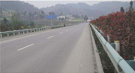 杭瑞高速遵义到金沙段马蹄收费站1公里高杆广告牌